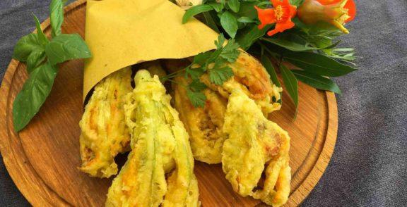 Fiori di zucchina ripieni alla montepescinese - fleurs de courgette farcies en beignet
